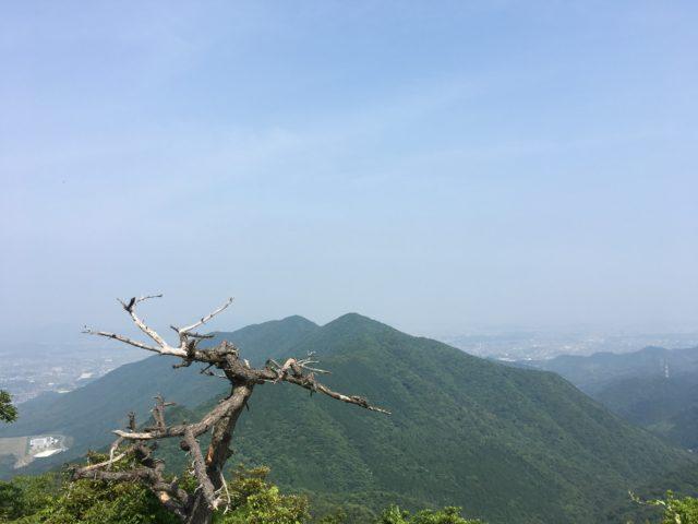 尺岳山頂からの爽快な景色